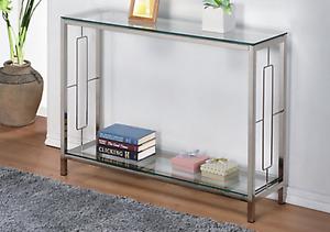 Belle table console en métal et vitre - 145$