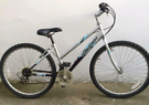 "Raleigh unisex hybrid bike. 15"" frame. 26"" wheels. Fully working"