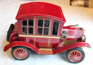 Japan Tin Toy - Grand Pa Car Battery Op Litho Vintage WORKS