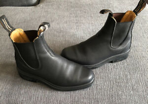 "Women's Size ""3"" Authentic Blundstones (Fits like a US women's7)"