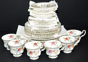 ROYAL ALBERT JUBILEE ROSE FINE BONE CHINA DINNER WARE SET