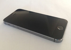 Apple iPhone 5S 32GB Gray Rogers New 10/10 Condition $225