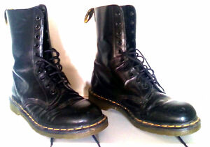 like new doc martin 9 hole boots.. size 10. mens.50$ obo