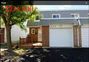 Bright spacious 4+1 bedroom end unit townhouse