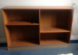 Bookshelf in teak, mint codition, a beauty