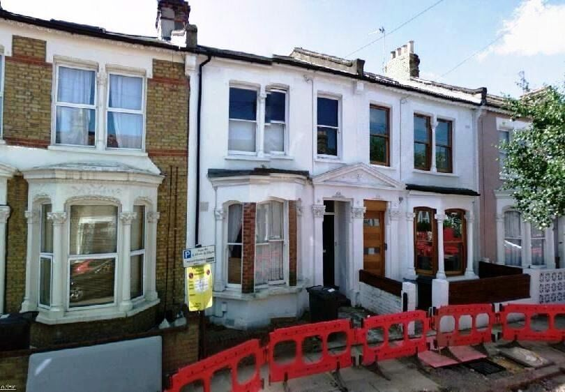 Cute 1 Bed Flat Ideal For Couple - Oval - £325pw