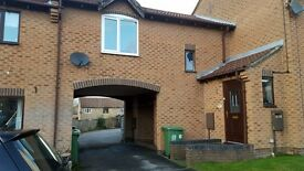 1 Bedroom unfurnished house to-let. Good location, with parking, central heating, nicely decorated.