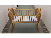 Baby Crib £ 35