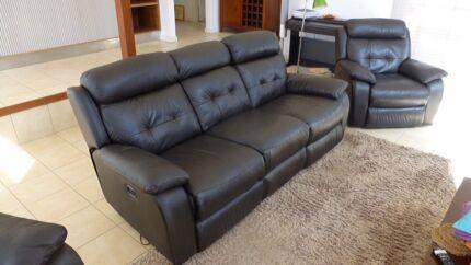 Nick Scali 3 piece leather lounge setting