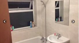 Single room in East acton (central line)!