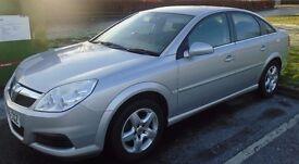"58 reg Vauxhall Vectra 1.8 Vvt Exc""MOT DECEMBER 2017""VERY LOW MILES""not mondeo focus Astra 307 407"