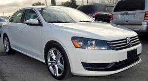 2012 Volkswagen Passat 2.5L LEATHER, SUNROOF, 2 SETS OF TIRES