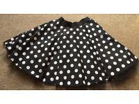 Black/White polka dot 1950s style skirt w/net