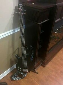 Ibanez Bass 5 cordes gauchere/Left handed 5 string ibanez bass