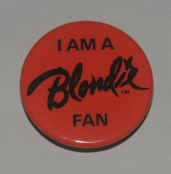 I Am A Blondie Fan Red Button Fan Club Debbie Harry pinback badge pin Vintage