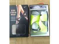 Womens Nike Studio Wrap (Volt / Metallic Colour, Size: US 6.5 - 7.5; UK 4.5; EURO 37)