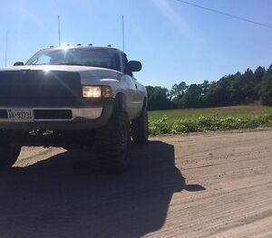 2000 Dodge Ram 1500 White Pickup Truck