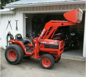 FOR SALE!! Kubota B1700 HST tractor 4x4