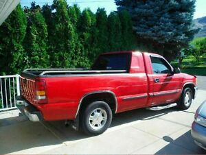 2002 Chevrolet Silverado Pick Up