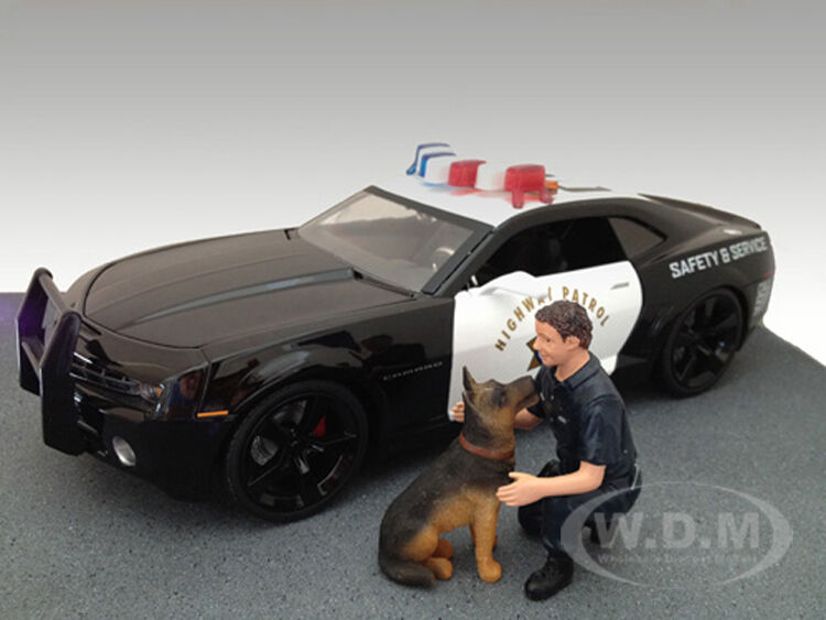 Police Guy & K9 Unit Dog Figure Set For 1:18 Scale Models American Diorama 23900