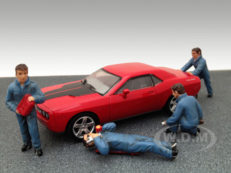 MECHANICS 4 FIGURE SET 1 43 SCALE DIECAST MODEL CARS BY AMERICAN DIORAMA 24020 Toys