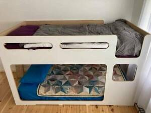 Single bed bunk bed
