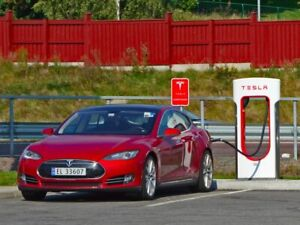 Get 1,500 KM of free supercharging when you acquire a Tesla!