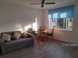 2 bedroom flat in Lucas Street, London , SE8 (2 bed) (#897526)