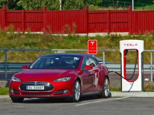 Get 1,500 KM of free supercharging when you buy a Tesla!