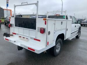 2001 GMC Sierra 2500 with Service Body- VERY LOW KM