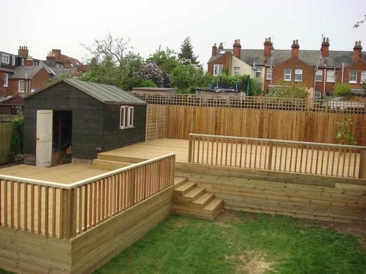 Joiner laminate wood floors fitted kitchens tiling for Garden decking gumtree