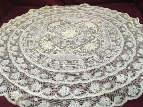 NORMANDY LACE ROUND