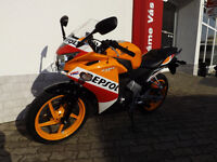 Honda CBR 125, 2016 - ONLY 1800 miles with 1 year Honda warranty