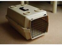 """Pet Voyageur 200 Carrier – 50cm x 32cm x 27cm (20"""" x 12"""" x 11"""") lockable grill & carry handle"""