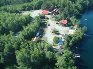 Lakefront off-grid lodge 6 cottages 5 acres next to crown land