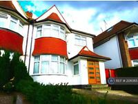 4 bedroom house in Woodlands, London, NW11 (4 bed)