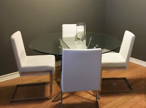 Beautiful Glass Table with chairs