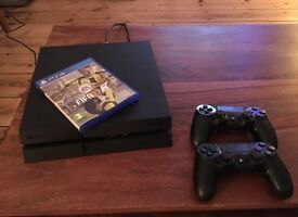 Playstation 4 - PS4 - 2 x official controllers - 3 games