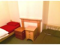 A bed in a NICE SHARED ROOM FOR 2 IN WOOLWICH. £80pw,low deposit, only 30 min fom city centre