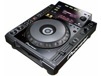 ***Pair of Pioneer CDJ 900's FOR SALE*** GREAT CONDITION** £1300***With BOXES***