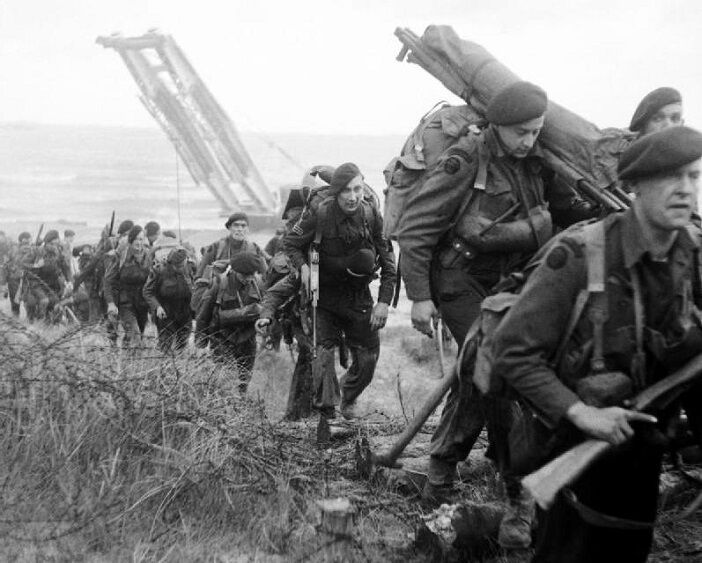 "Royal Marine Commandos Sword Beach D-Day 8""x 10"" World War II WW2 Photo 560"