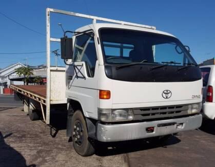 2000 Toyota Dyna Hi-cab 200 tray back 15B 4.1L diesel $9,999 South Brisbane Brisbane South West Preview