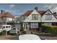 BRILLIANT 4/5 BEDROOM SEMI DETACHED HOUSE TO RENT IN LIMESDALE GARDENS, EDGWARE, HA8 5HY