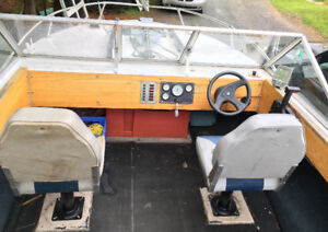 1980 Doral Runabout 16