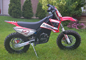 2013 XISPA E10 Electric Dirt Bike (For Kids 3-8)