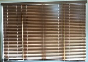 Real Wood Store Blinds-Stores en bois veritable -Marche du Store