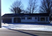 House for Rent, Hwy 77, Leamington