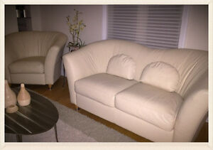 MODERN ITALIAN CREAM LEATHER COUCHES