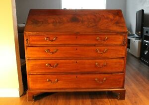 Mahogany Veneered Dropfront Dest, Circa 1800. High Quality