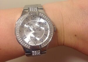 Womens authentic guess watch